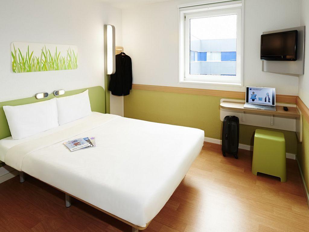 chambre-double-2-personnes-hotel-ibis-budget-saint-herblain