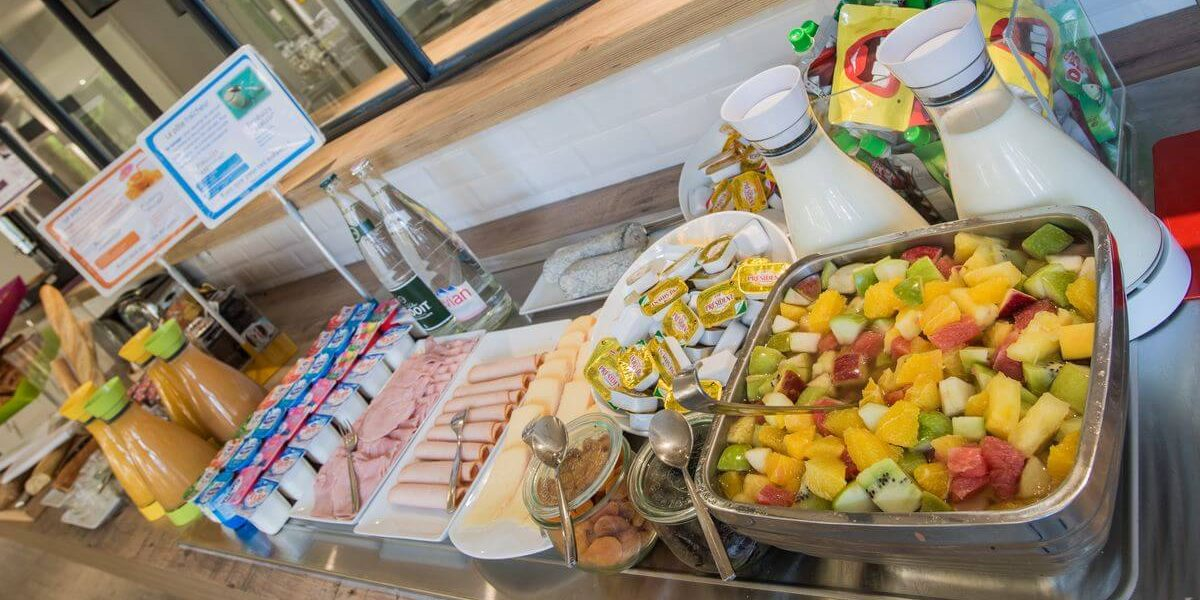 petit-dejeuner-hotel-ibis-styles-tours-sud (1)