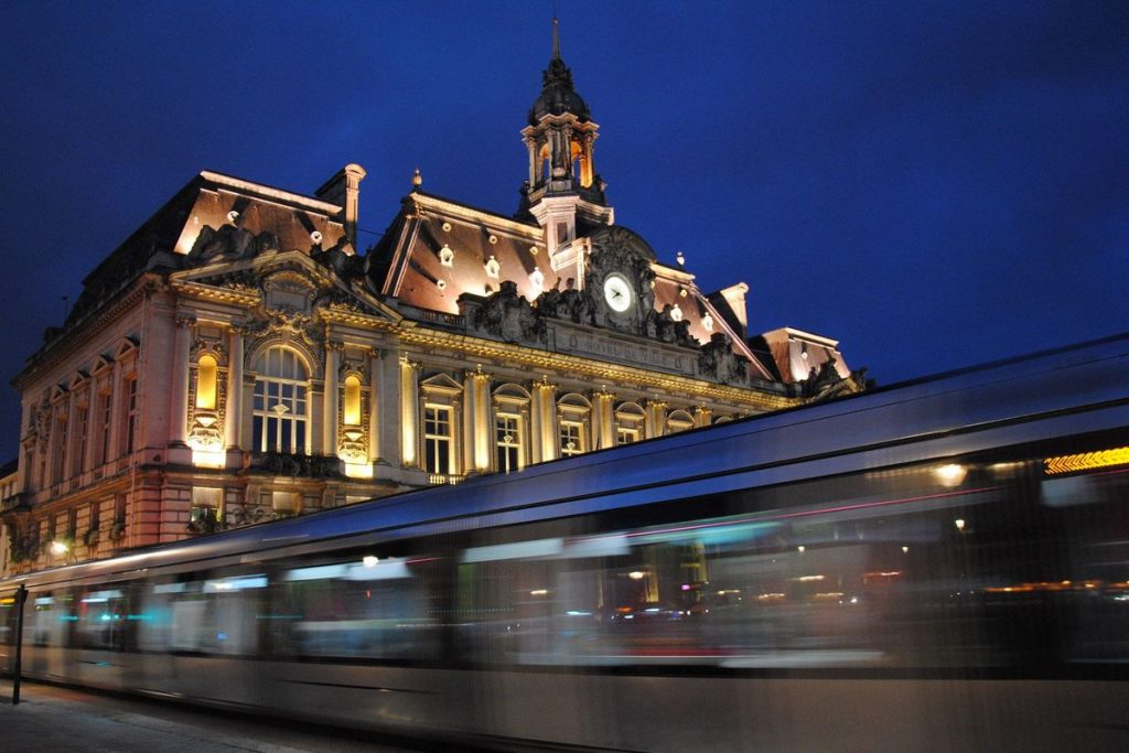 reseau-transport-commun-tours-tramway-fil-bleu