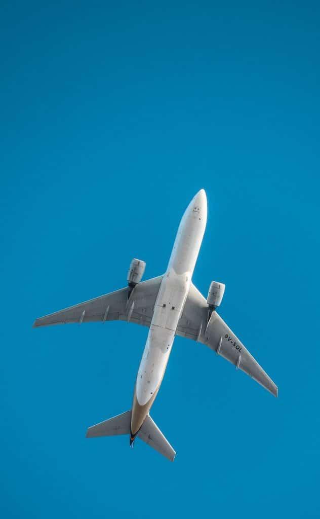 venir-saint-malo-avion-aeroport-rennes-bretagne